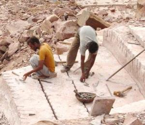Sandstone mines of Rajasthan are deathbeds for many. Source:GRAVIS