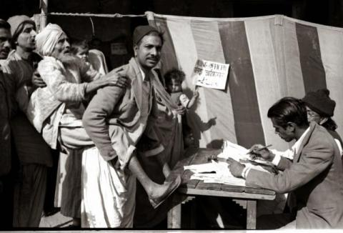 An old man being carried for voting during 1952 General Elections in Delhi. Source: Ministry of Information & Broadcasting, Government of India
