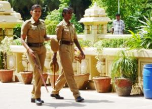 Two police women in Chennai. Source: John Hill/Wikipedia